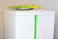 BRON, polyurethaan, polystereen, stalen veer, tl verlichting / polyurethaan, polystereen, leaf spring, light, 120 x 120 x 150 cm, 2011