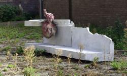 MACHINE, polyurethaan, polystyreen, 225 x 46 x 65 cm, 2009